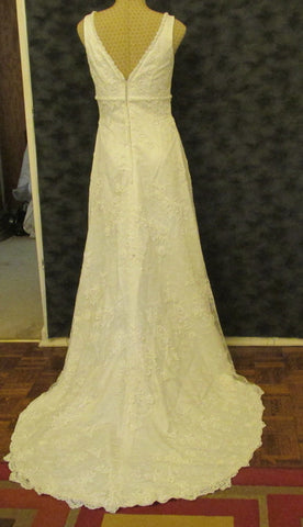 Simone Carvalli Simple Elegant Ivory-Laced Beaded Wedding Dress Size 8 Excellent Condition