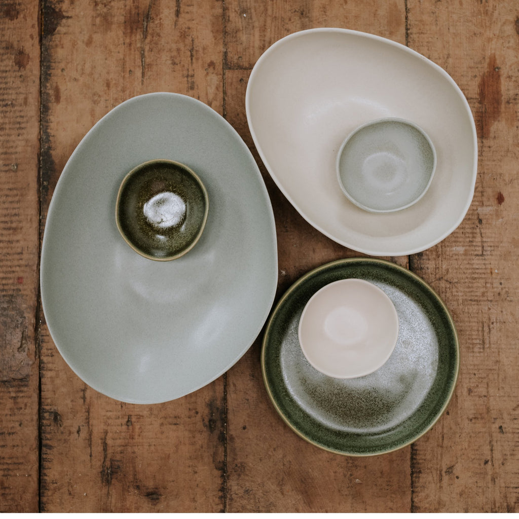 The Country Providore has beautifully curated ranges of homeware & living products, accessories for your home, kitchen garden, walls and bedding.  From Cushions to Tea Towels, Pots for plants, Enamelware, Dishcloths and more.