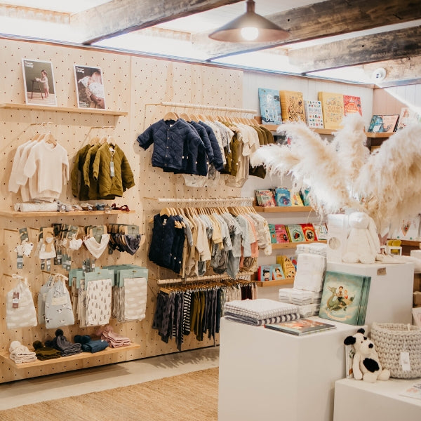 The Country Providore store has a selection of fresh local produce from fresh berries, gourmet meats, cheeses and flowers. Along with a range of homewares, educational toys for kids, books, home decor, gifts boxes, baby and kids clothing and more.