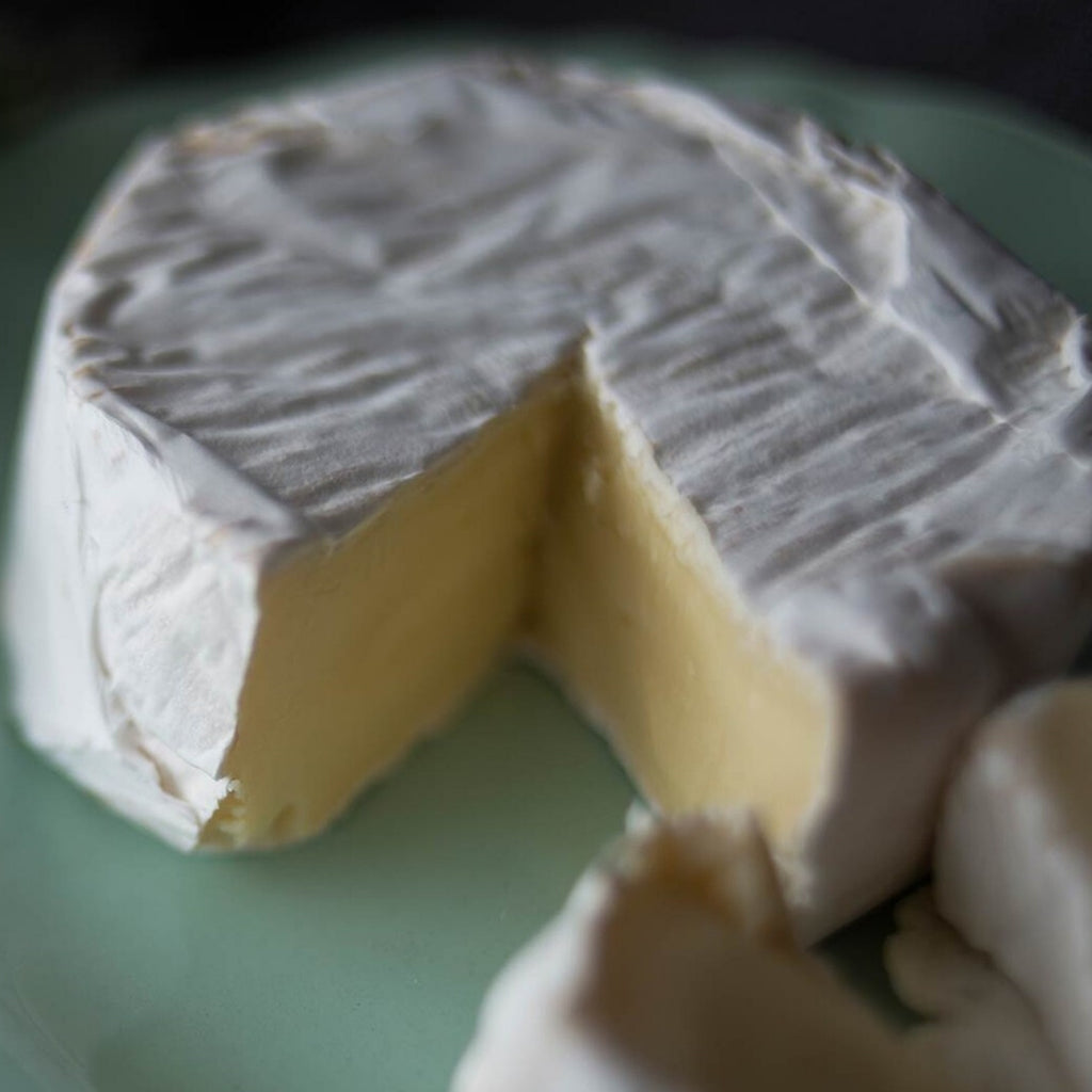 The Country Providore store has a selection of fresh local produce like Over The Moon Dairy handcrafted specialty is soft, blue and hard cheeses made from locally sourced goat, cow, sheep and buffalo milk. Located by Hamilton, Tamahere and Cambridge NZ.