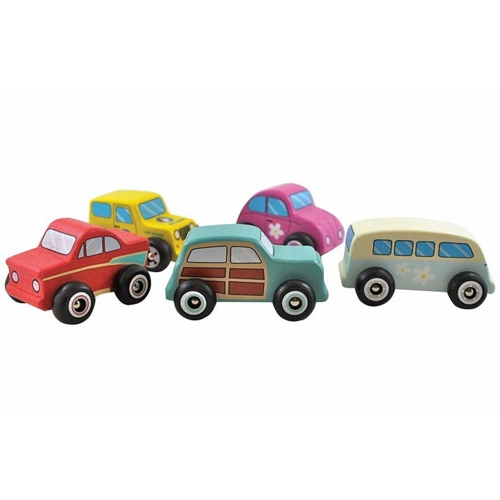 The Country Providore New Zealand has a wide range of Educational Kids Toys – wooden toys like Wooden Car Set by Discoveroo, bath toys, books, natural Honey Sticks to draw with, soft toys, jelly cat, learning books, black and white books for great learning for Children. Shipping in NZ.