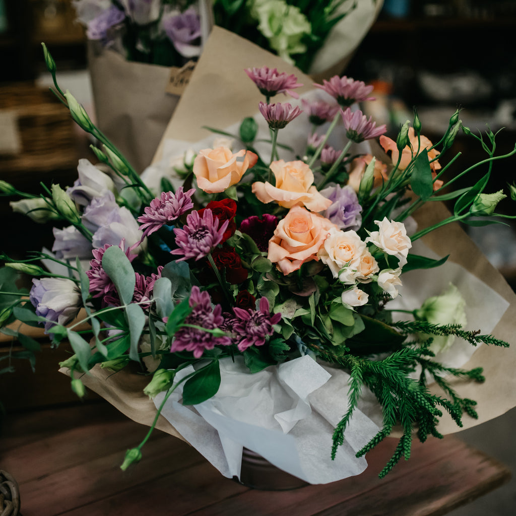 The Country Providore store has a selection of fresh vibrant flowers for every special occasion. Along with a range of gift ideas, gift hampers, gift boxes and cards to go with flowers for a special someone.  Located next to Punnet Café by Hamilton, Tamahere and Cambridge NZ.