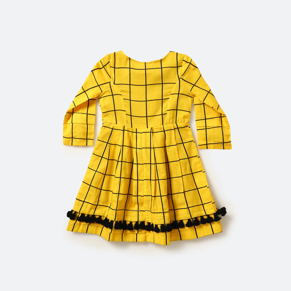 Tic tac toe dress - Milk teeth -Kids Dresses, Girls Dress, Girls Skirt, Boys Shirts, Kids Shorts,T-Shirts, Boys Shoes, Girl Sandals,Kids Online Shopping
