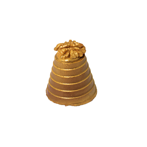 Our gold dusted Walnut Whirl is a perfect promotional giveaway over the festive season. Fluffy Marshmallow covered with a tower of gold milk chocolate and crowned with a crunchy walnut. This delicious treat is displayed in an eye-catching clear tube and is branded with a metallic wrap and domed label.