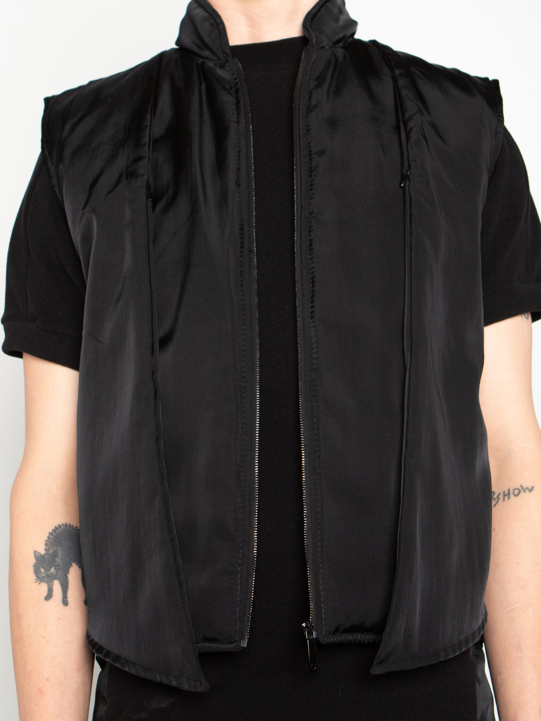 odd92 Shop Cottweiler Spring/Summer 2020 Menswear Black Caddie Puffer Vest - 3