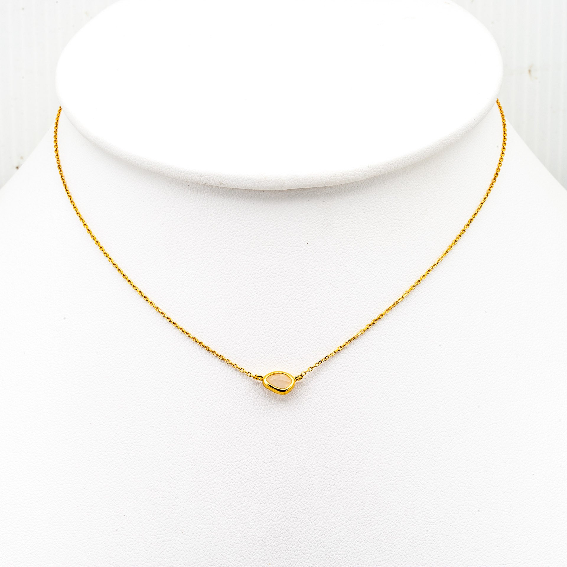 GOLD BEZEL SET MOONSTONE CHOKER