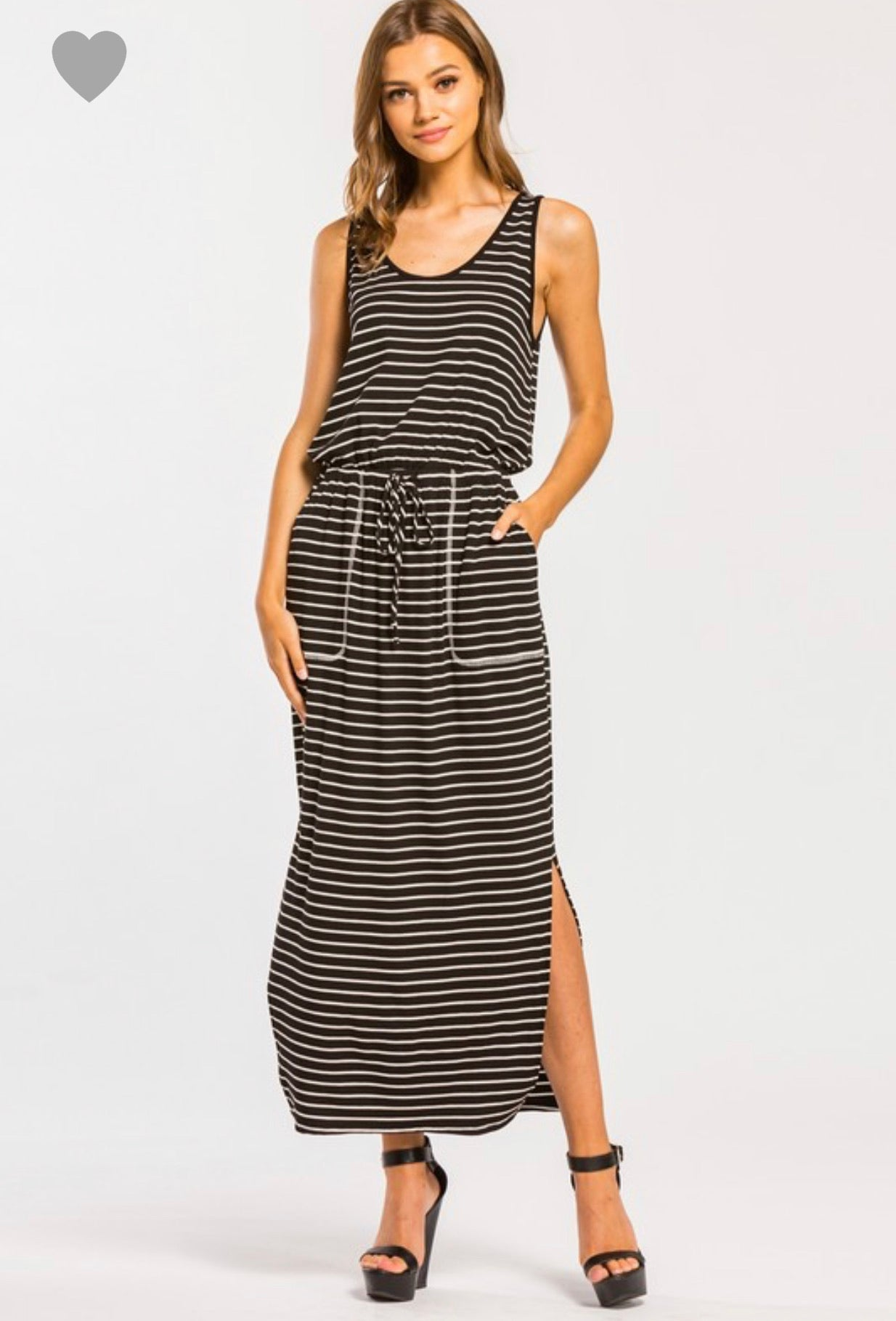 Sleeveless midi dress with pockets