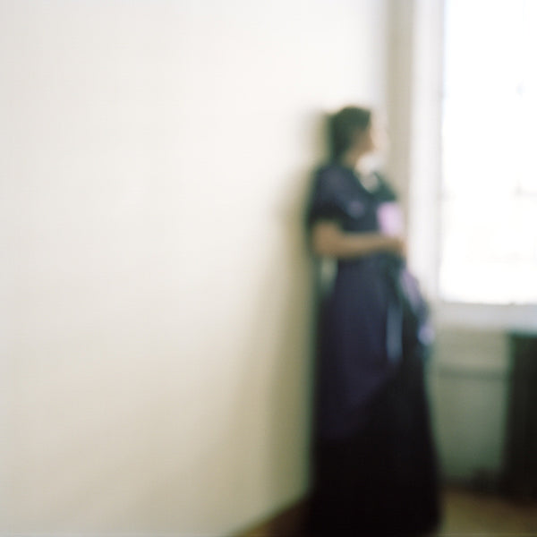 Virginia Mak Artwork | Colourful, blurred, soft-focus photographs of figures in nature and interiors.