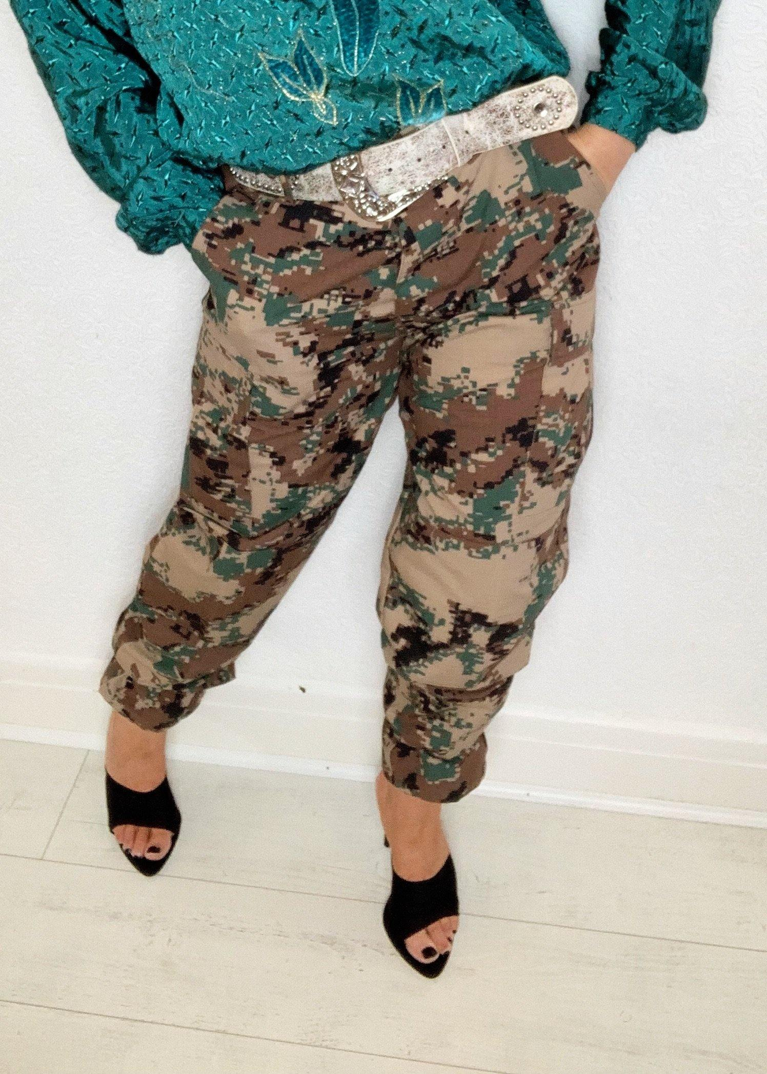 - ONE OF A KIND - Vintage High Waist Military Print Pants Trousers
