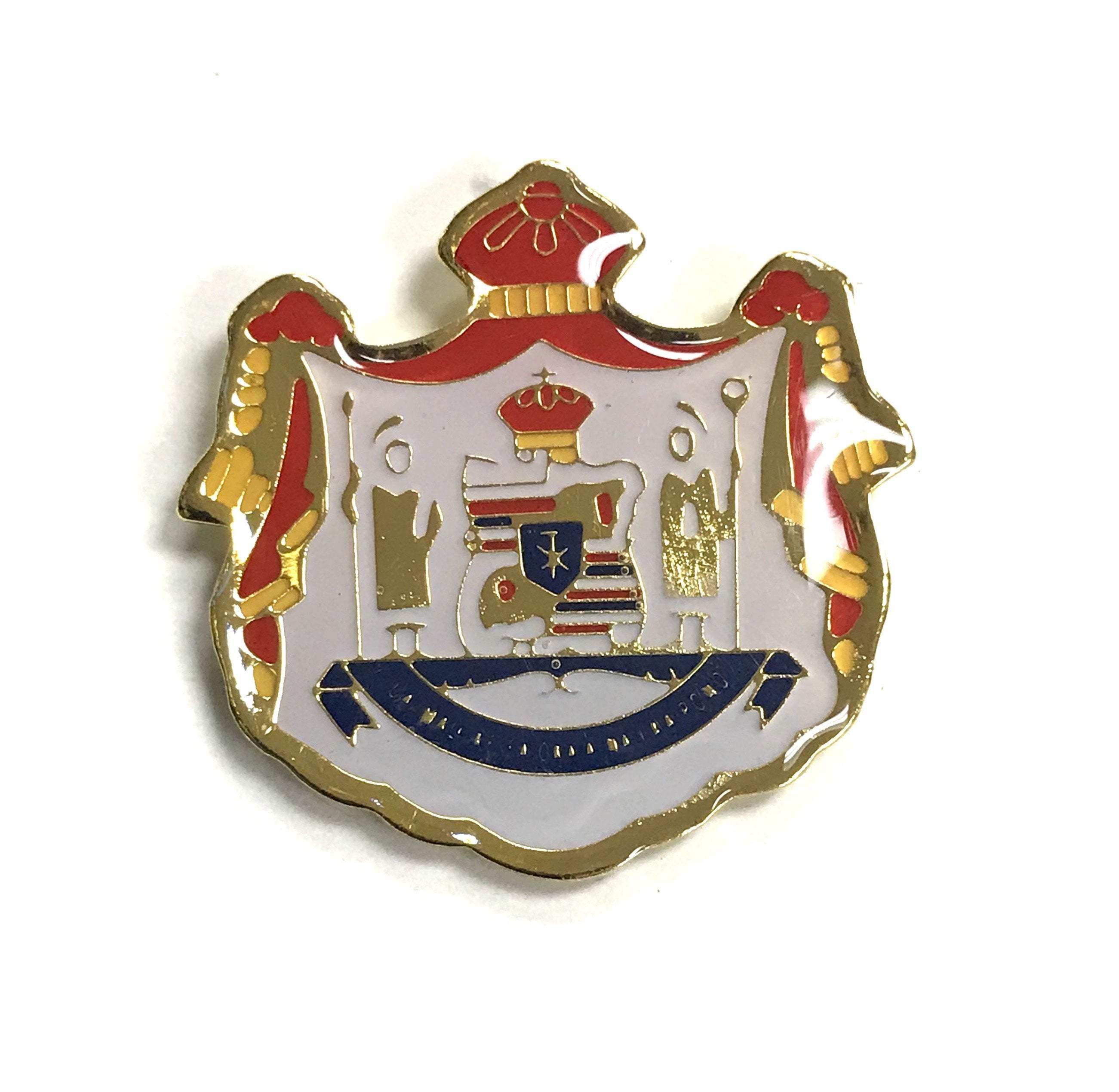 Hawaii Coat of Arms Pin - Leilanis Attic