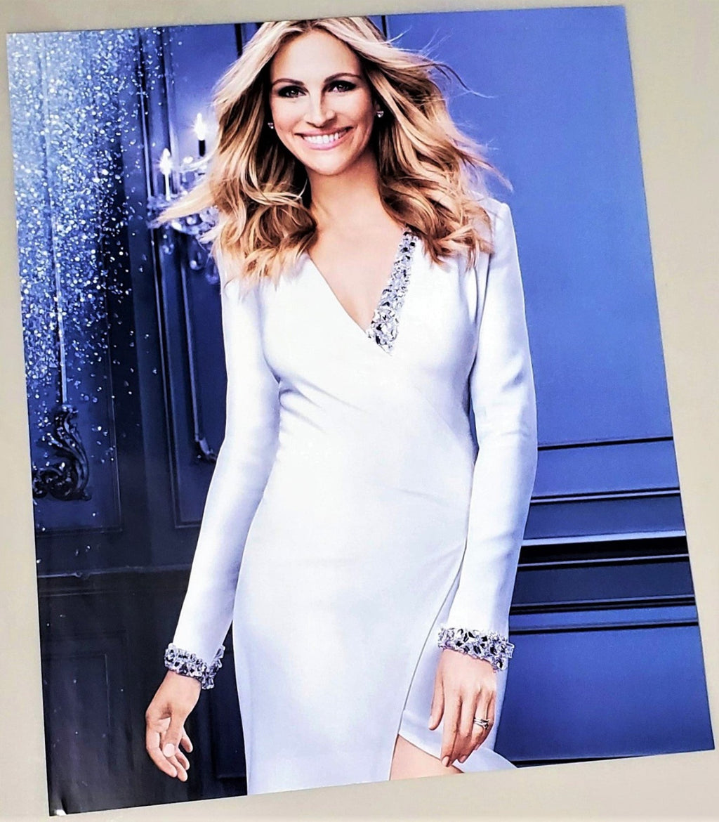 Julia Roberts Estee Lauder La Vie Est Belle perfume campaign photograph advertisement page featured in September 2016