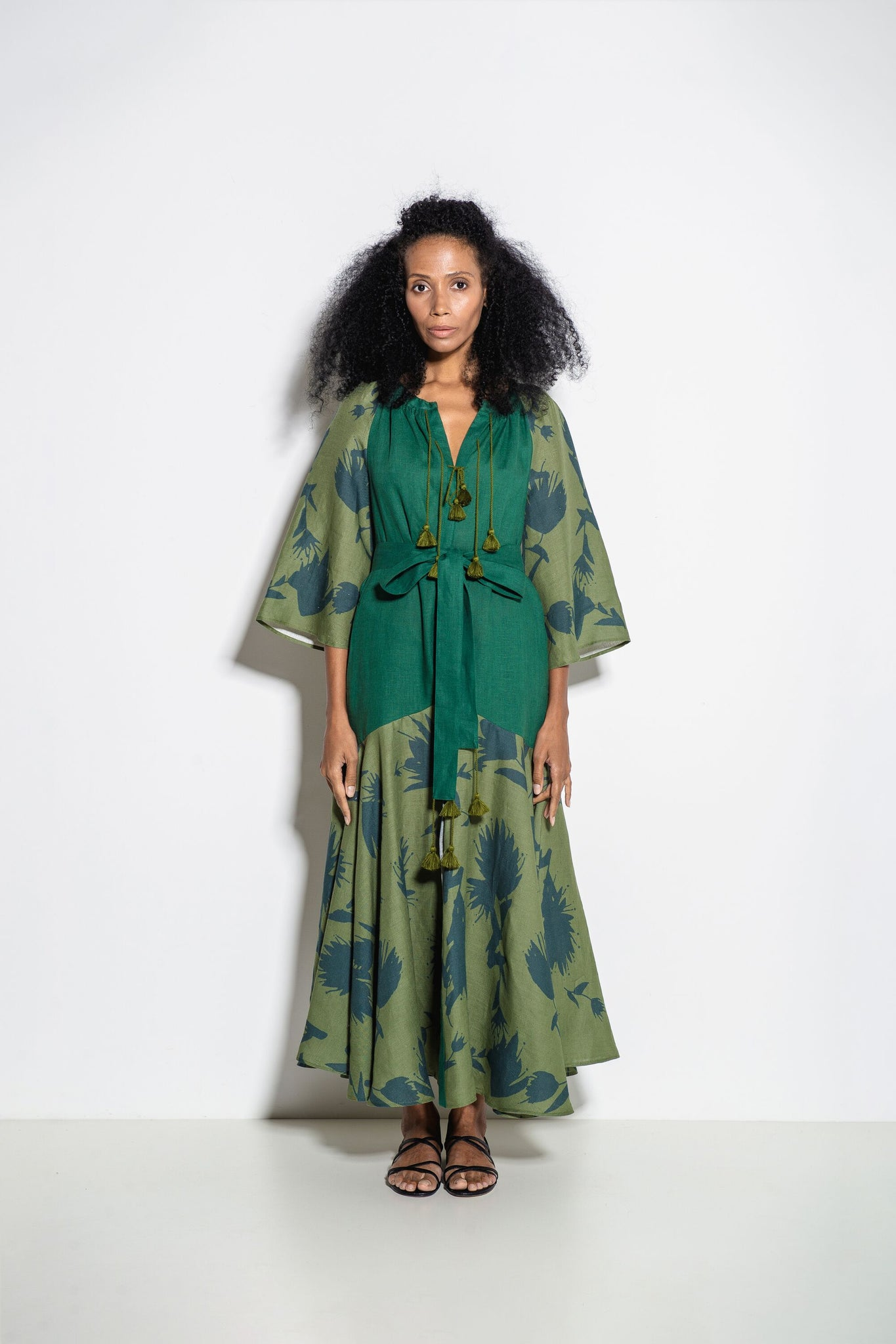 Alex+Gabrielle Midi Dress in Green