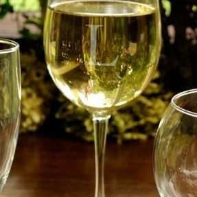 100 White Wine Glasses | Sparkling Personalized Glasses are traditional yet elegant. Excellent gift for any Big Party Celebration, Wedding or Special Event