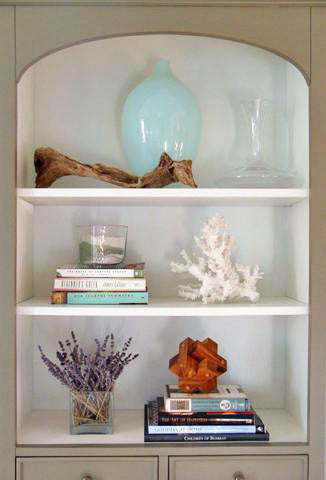 Five Ways to Create Artfully Accessorized Bookshelves