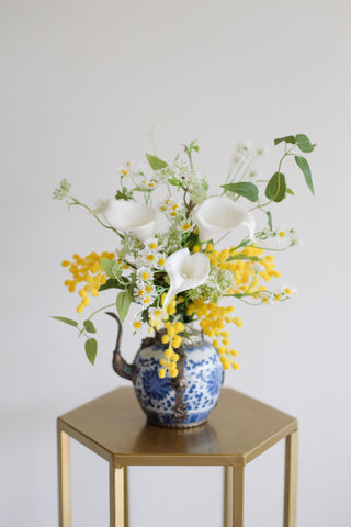"""Calla"" in Chinoiserie Porcelain Teapot Vase"