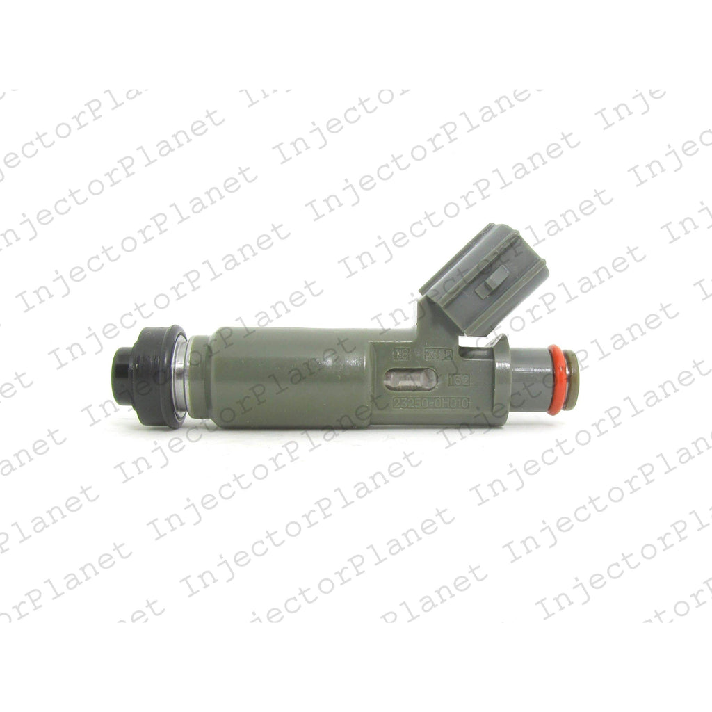 Denso 4320 / 23209-0H010 / 23250-0H010 fuel injector