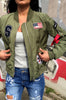 Bomberjacket street style: fashion musthave. Shop deze bomberjacket met applicaties hier! Streetfashion en streetwear: bomberjasje, parka en meer.