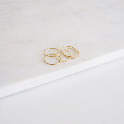 THIN STACKING RING - GOLD