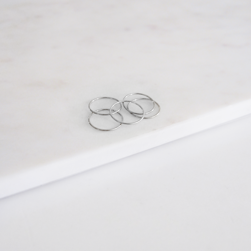 Thin Band Ring - Silver