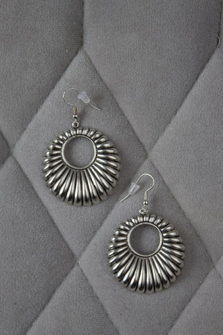 Silver Plated Ridged Hoop Earrings - Saddles & Lace Boutique - Western and boho inspired clothing, bags, and accessories for women