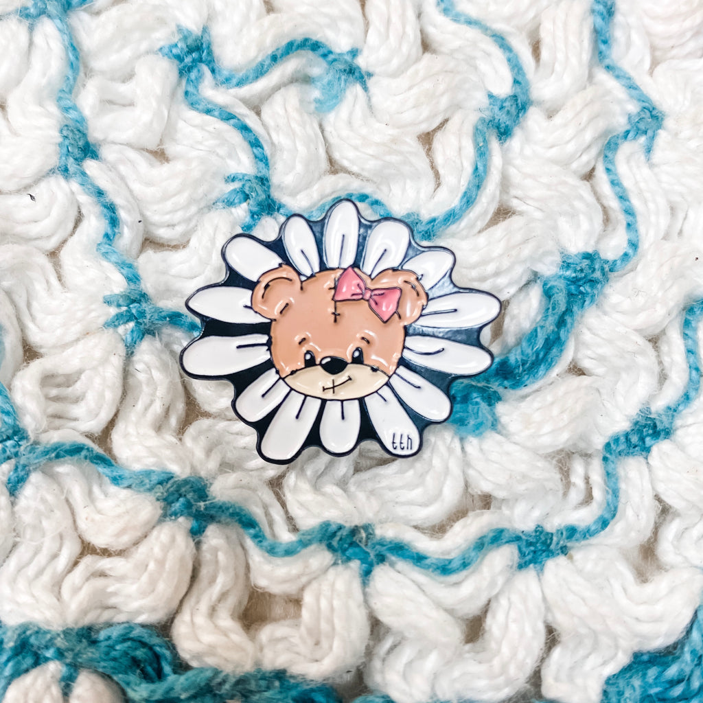 Daisy Bear Pin
