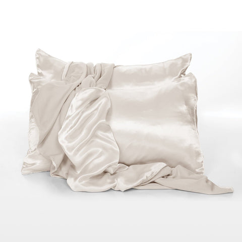 Satin Pillowcases in Eggnog