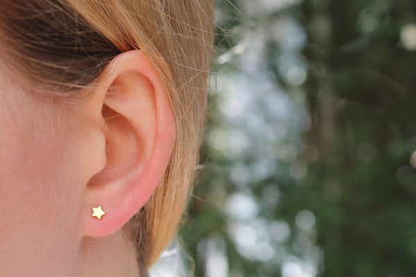 Tiny Star Stud Earrings (2 Colours)