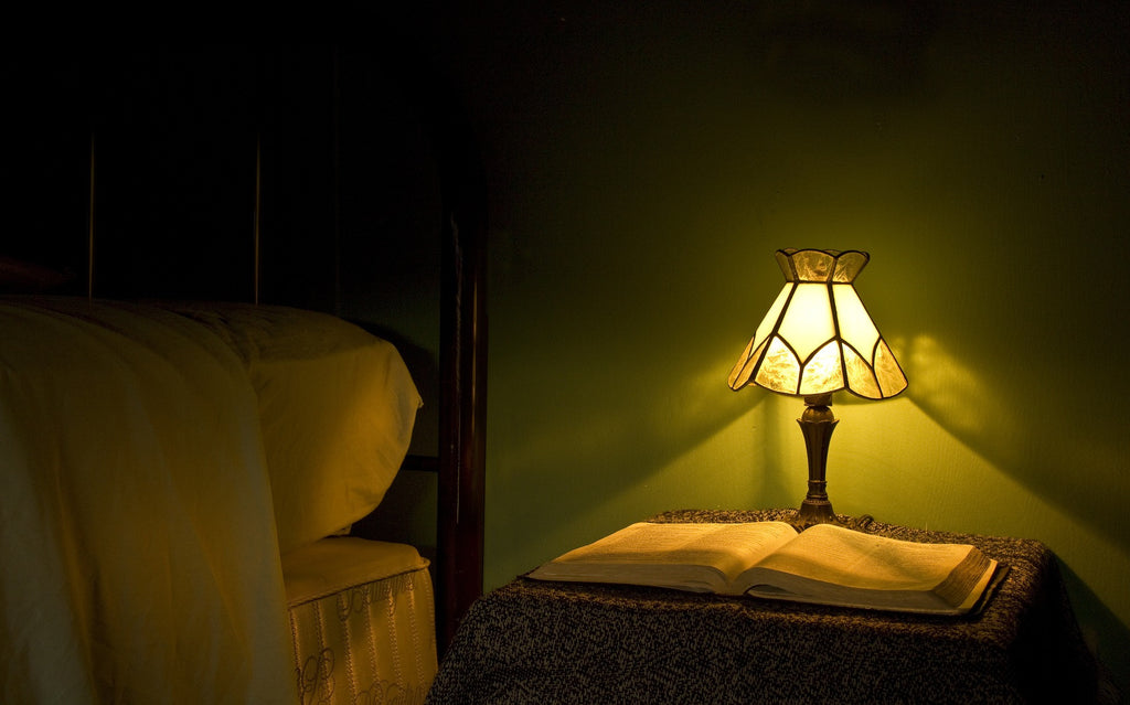 Lights Out: The Best Way to Fall Asleep