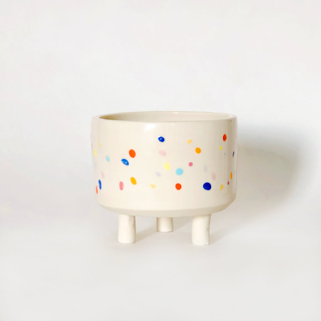 "3.75"" w Sprinkle Bowl with Legs"