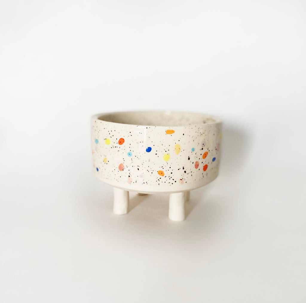 "4.25"" w Double Sprinkle Bowl with Legs"