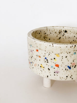 "3.5-3.75"" w Double Sprinkle Bowl with Legs"