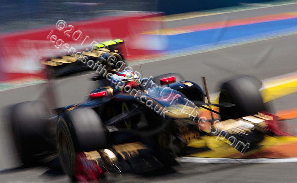 Formula 1 Print - Jarno Trulli  Silverstone Circuit 2011 - Legends Of The Sport