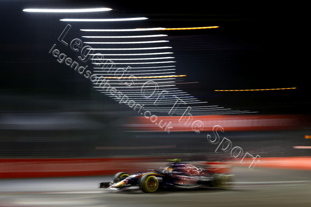 Formula 1 Print - 2015 Singapore GP Carlos Sainz Jr (ESP) Scuderia Toro Rosso STR10 Sat 19-09 Marina Bay - Legends Of The Sport