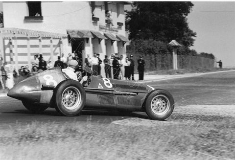 Formula 1 Print 1951 - Juan Manuel Fangio racing an Alfa Romeo 159 in the French Grand Prix at Reims-Gueux in 1951 - Legends Of The Sport