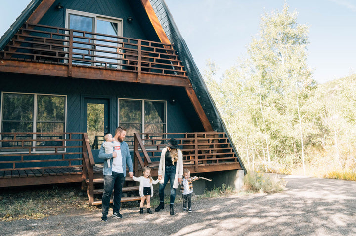 A-Frame Haus Staycation || Company Family Pictures