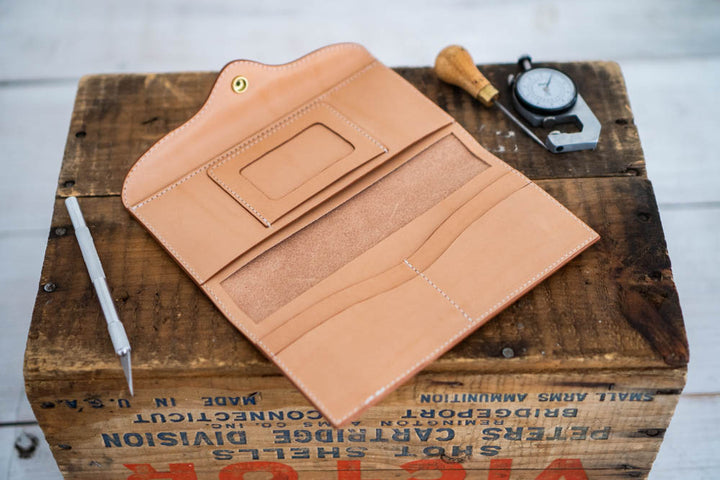 Making a Women's Leather Long Wallet