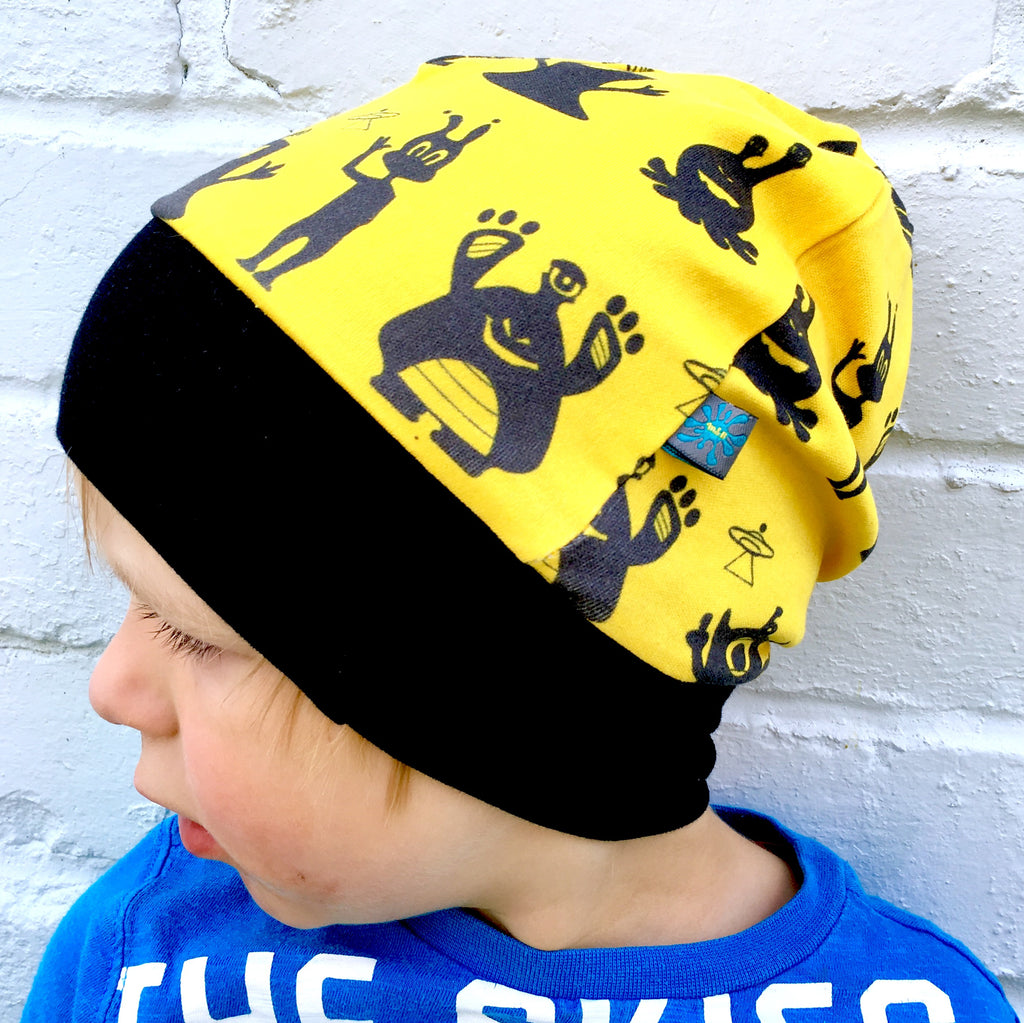 Aliens beanie, slouchy beanie hat, monsters beanie, monsters, aliens, yellow