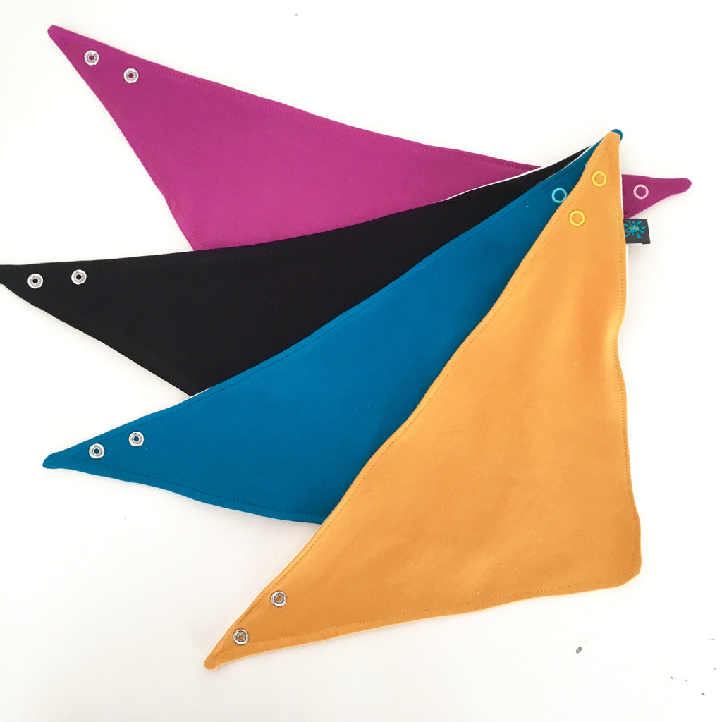 Organic solid colour dribble bib