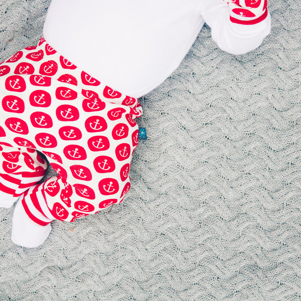 Anchors newborn gift set - leggings, knotted hat and mits (0-3 months)