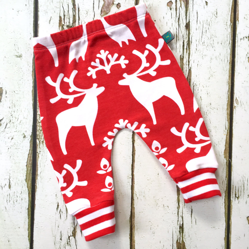 Newborn gift set (0-3 m), reindeer  baby leggings, knotted hat, scratch mitts, baby clothes, baby gift, baby shower gift, Christmas baby