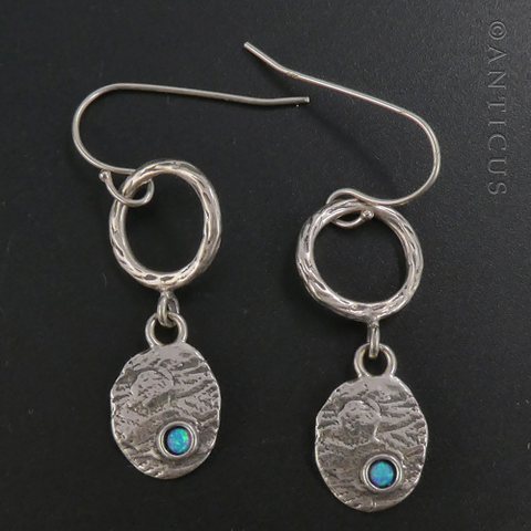 Silver Earrings with Opal.