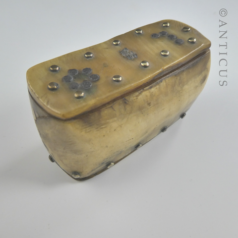 Small Vernacular Georgian Horn Snuff Box.