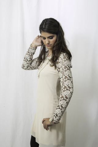 Sweet Romance Lace Top in Powder
