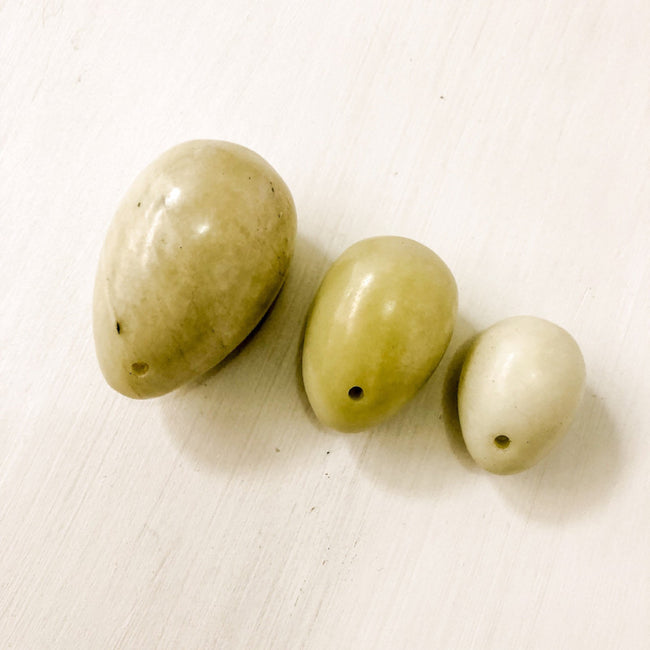 JADE YONI EGGS - SET OF 3 - the_raw_store