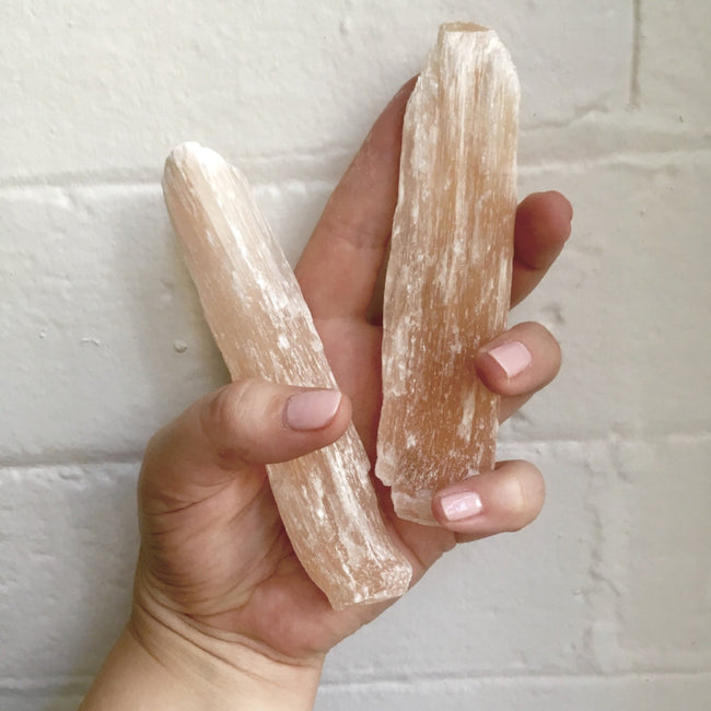 PEACH SELENITE WANDS - the_raw_store