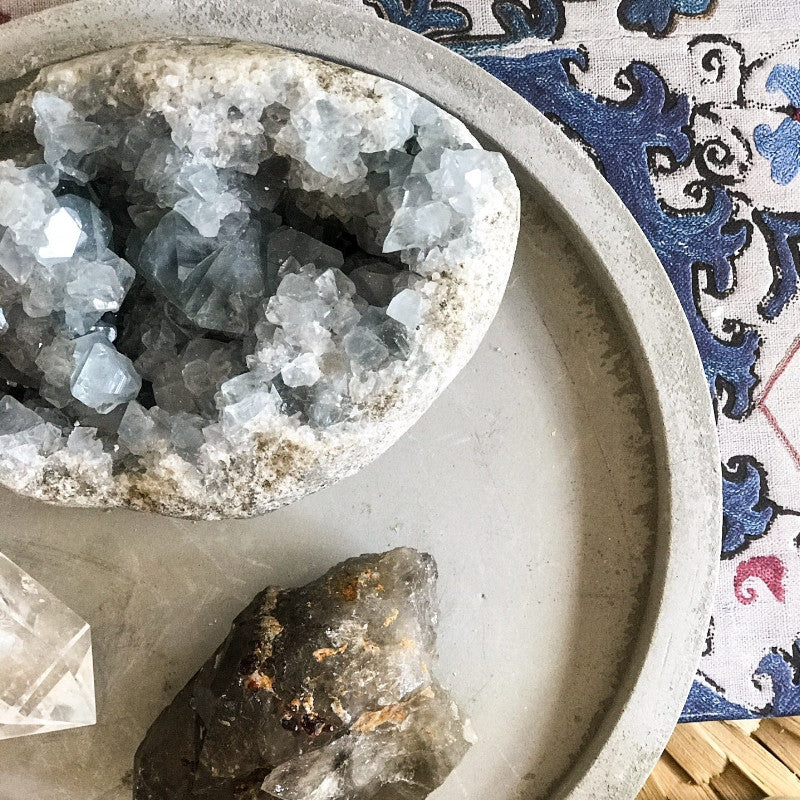 CELESTITE GEODE - the_raw_store