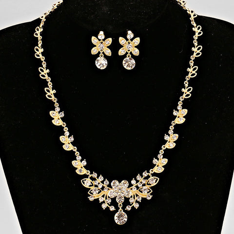 Floral Crystal Necklace - FashionFunPop, Trendy, fashion, plus, skinny, fitted, ripped, dress, dresses, tops, blazers, women, clothing, bathing suits, swimwear, vacation, stylish, jewelry, accessories, handbags, shoes, boutique, shopping, store, clutch, clutches, handbag, blouses, mom, mommy, tee, tees, jeans,   pants, maxi, maxies, rompers, jumpers, sexy, clearance, new, sales, mika rose, she and sky, &, blvd, in style, esley, gilli, blu pepper, earrings, bracelets, bangles, statement, necklaces, scarfs, gloves, ripped, sweaters, bikini, tankini, one piece, stop staring, gowns, prom dresses, wedding dresses, wedding, prom, plus jeans. plus size,a-line,