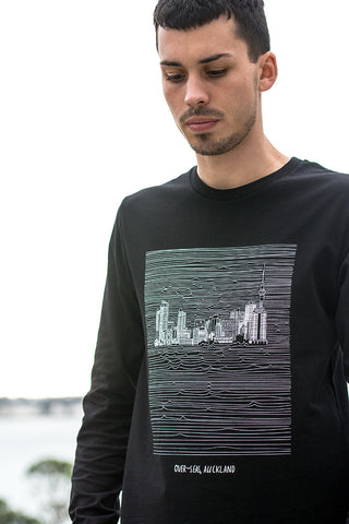 NZ Auckland souvenir black long sleeve tee