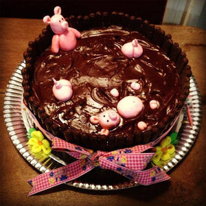 Pigs Swimming Cake