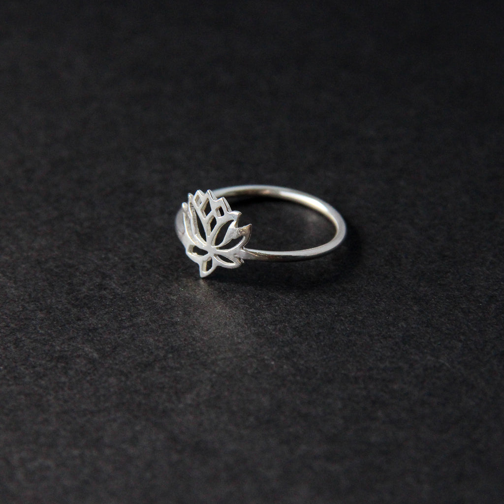 Lotus bloom ring
